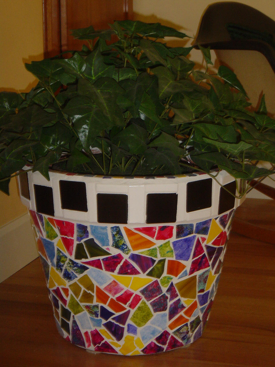 Plus, paint seeping into your plant could kill more delicate greens, as well. Check out the steps below for preparing your terra cotta pot for painting as well as how to paint terra cotta crafts for all the need-to-knows and some extra tips.